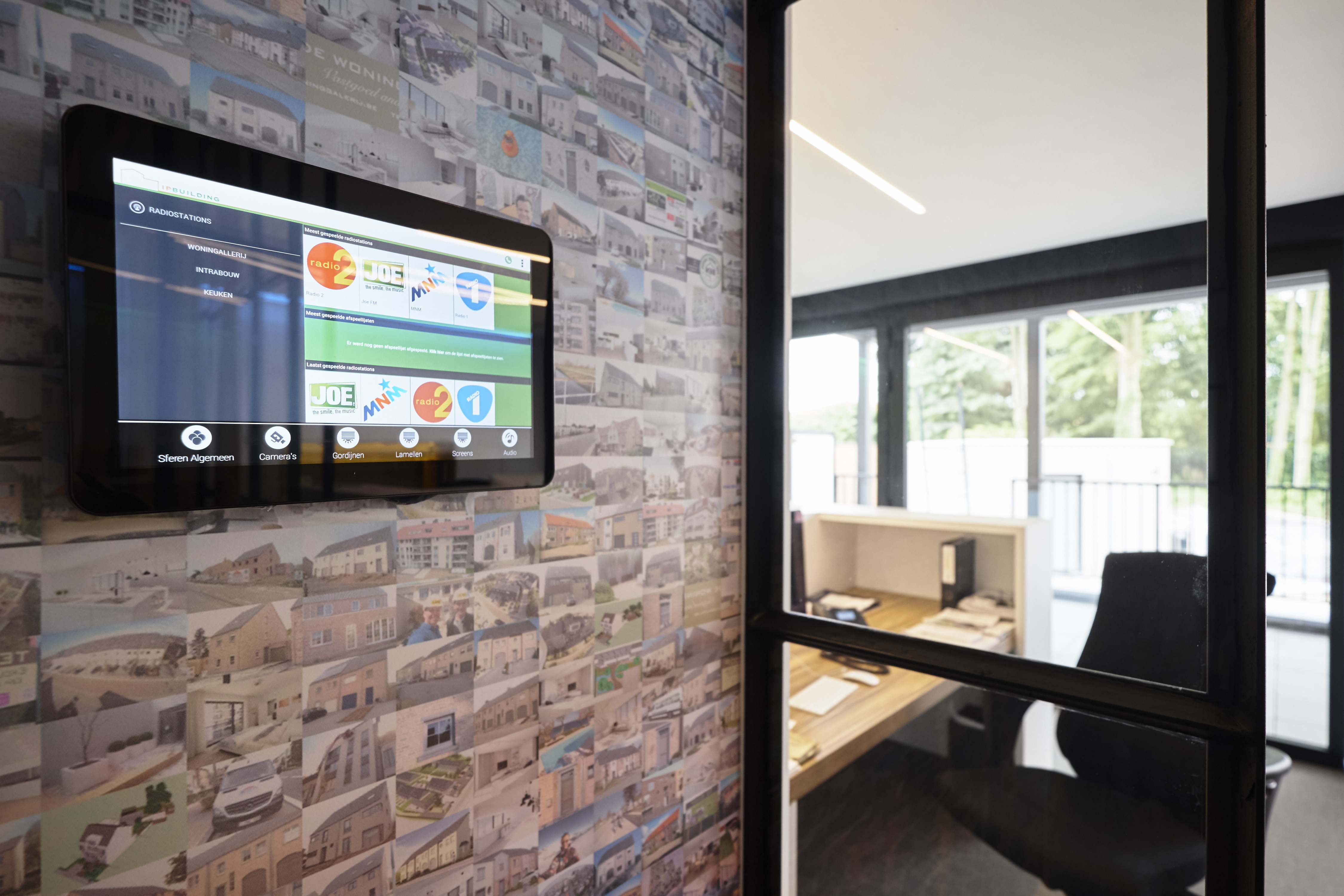 Smart Design Keukens : Intrabouw turns its headquarters into a smart nerve centre